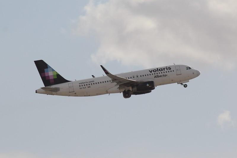 Volaris (Y4) XA-VLK A320-233 [cn6610]