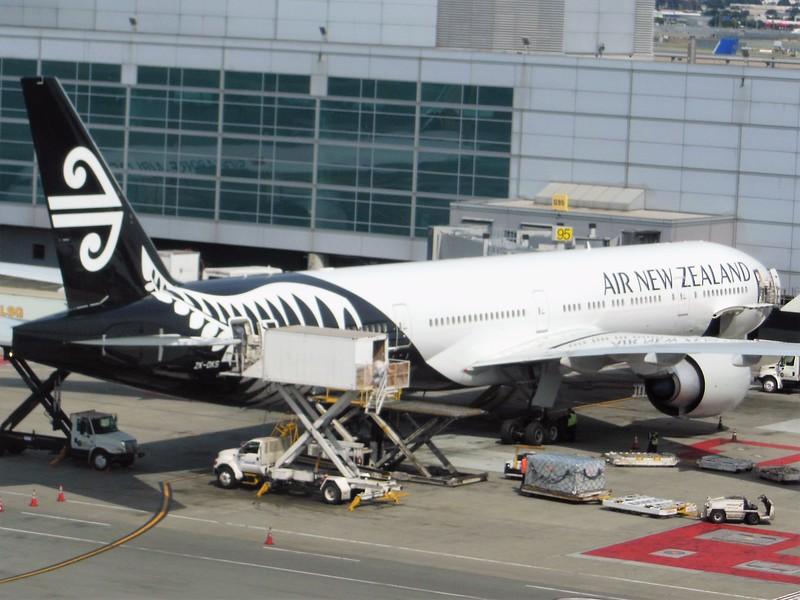 Air New Zealand (NZ) ZK-OKS B777-319 ER [cn44547]