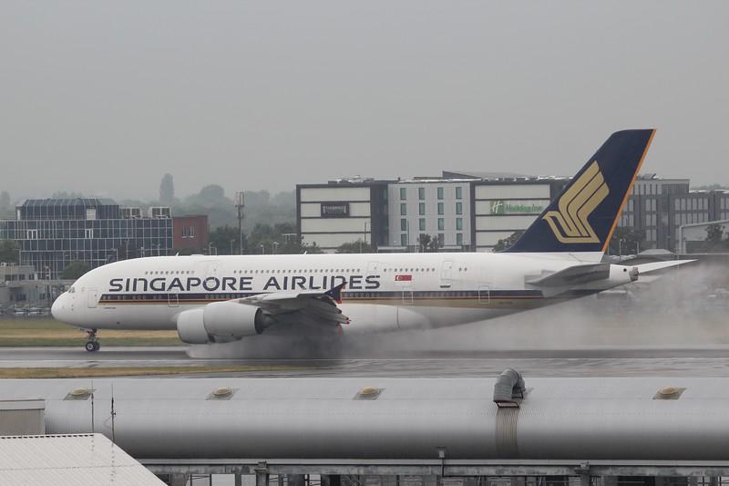 Singapore Airlines (SQ) 9V-SKN  A380-841  [cn071]