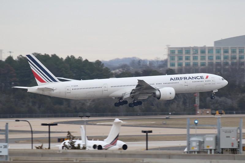 Air France (AF) F-GSQK B777-328 ER [cn32845]