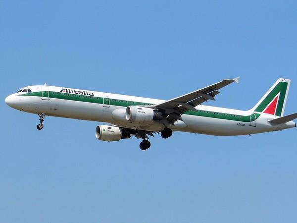 Alitalia (AZ)