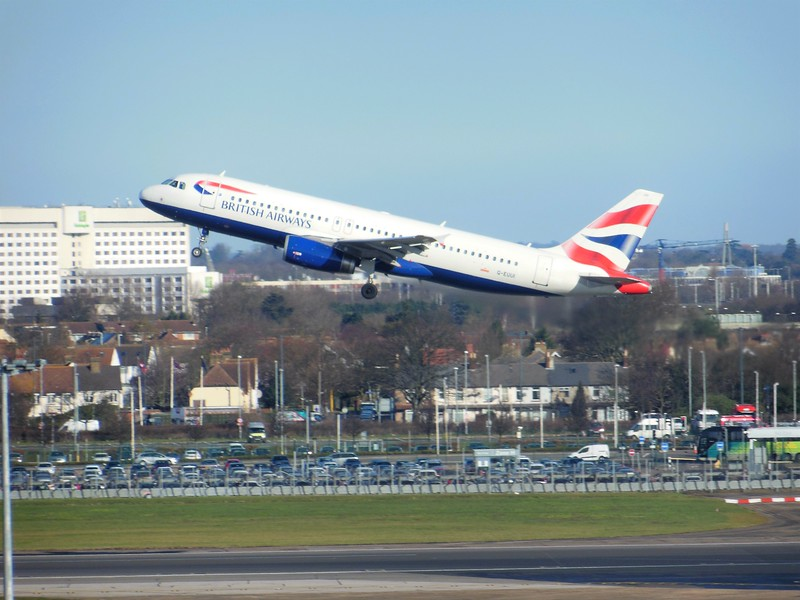 British Airways (BA) G-EUUI A320-232 [cn1871]