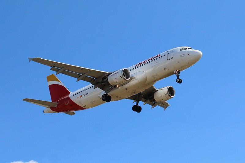 Iberia (IB) EC-IZH A320-214 [cn2225]