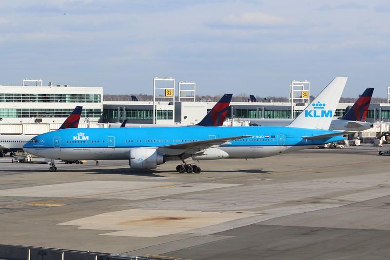 KLM (KL) PH-BQD B777-206 ER [cn 33713]