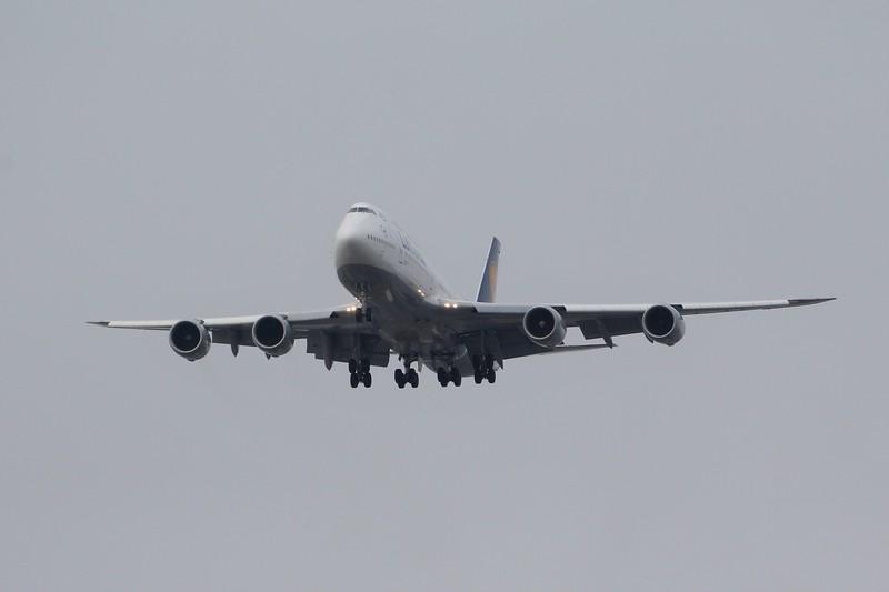 Lufthansa (LH) D-ABYL B747-830 [cn37836]