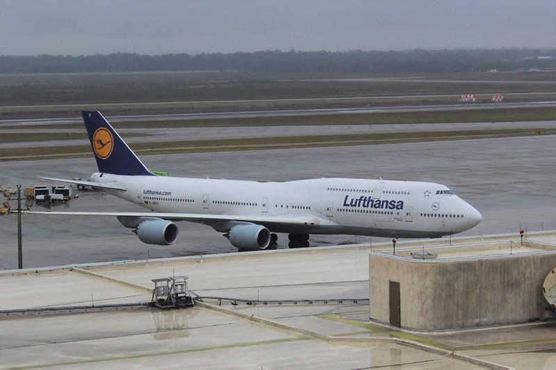 Lufthansa (LH) D-ABYI B747-830 [cn37833]