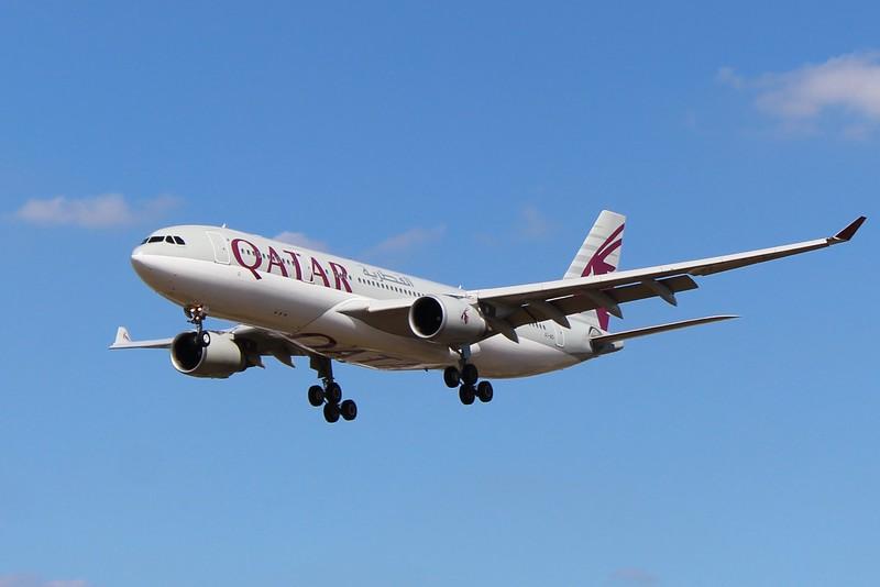 Qatar Airways (QR) A7-ACI A330-202 [cn746]
