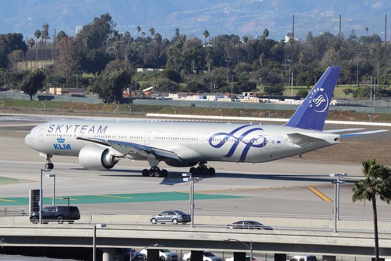 KLM (KL) PH-BVD B777-306 ER [cn35979] SkyTeam Livery