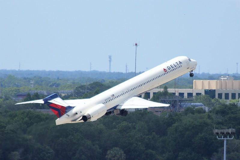 Delta Air Lines (DL) N943DN MD90-30 [cn 53462]