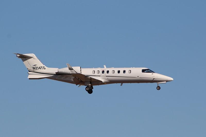 Gates Learjet 45 (cn45-328) N214TG