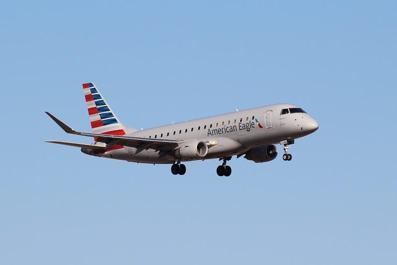 American Eagle/Envoy Air (AA/MQ) N256NN ERJ-175 LR [cn17000665]