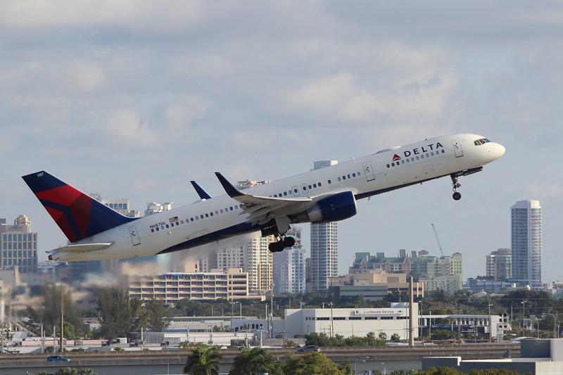 Delta Air Lines (DL) N687DL B757-232 [cn27586]