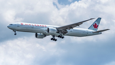 AIR CANADA_B777-333ER_C-FKAU_MLU_301218