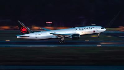 AIR CANADA_B777-233LR_C-FNND_MLU_150320
