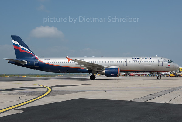 2016-05-26 VP-BUM AIrbus A321 Aeroflot
