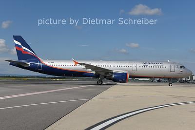 2014-09-21 VP-BQX Airbus A321 Aeroflot