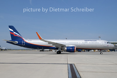 2019-07-19 VP-BTH Airbus A321 Aeroflot