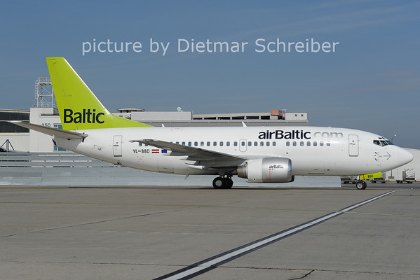 2012-10-04 YL-BBD Boeing 737-500 Air Baltic