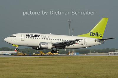 2012-06-29 YL-BBQ Boeing 737-500 Air Baltic