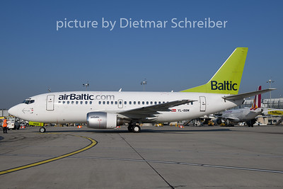 2018-10-12 YL-BBM Boeing 737-500 Air Baltic