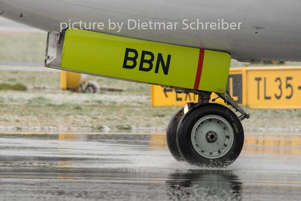 2015-04-01 YL-BBN Boeing 737-500 Air Baltic