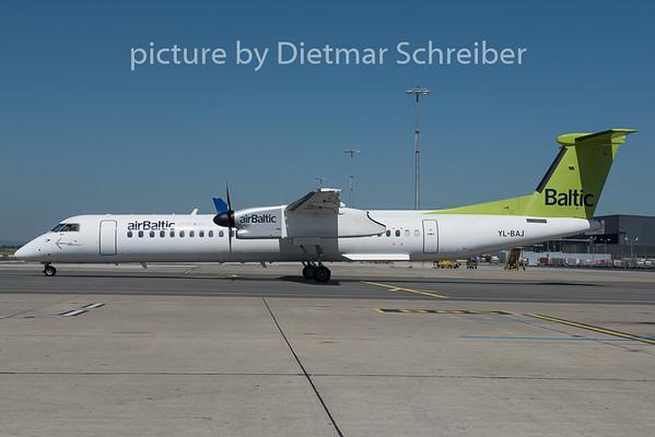 2015-06-05 YL-BAJ Dash 8-400 Air Baltic
