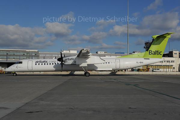 2013-12-02 YL-BAI Dash 8-400 Air Baltic