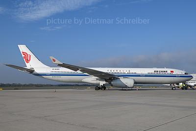 2019-10-15 B-8385 Airbus A330-300 Air China