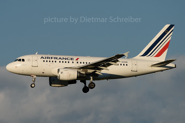 2017-08-13 F-GUGN Airbus A318 Air France