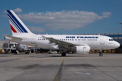 2007-05-18 F-GUGH Airbus A318 Air France