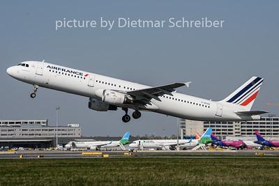 2019-04-15 F-GTAZ Airbus A321 Air France