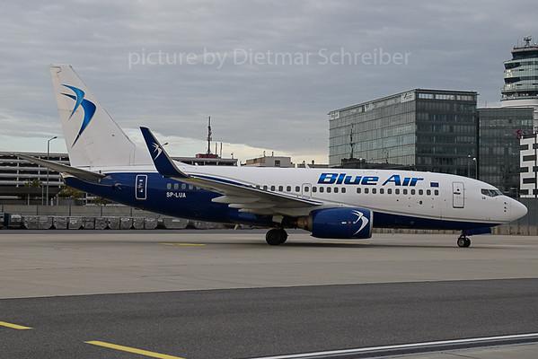 2019-10-09 SP-LUA Boeing 737-700 Blue AIr / LOT