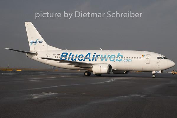 2009-11-04 YR-BAA Boeing 737-300 Blue Air