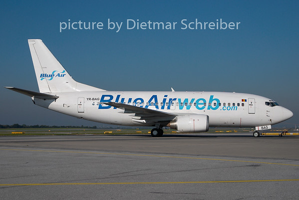 2010-09-21 YR-BAG Boeing 737-500 Blue Air