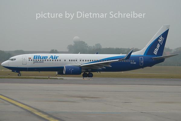 2009-10-26 YR-BIC Boeing 737-800 Blue Air