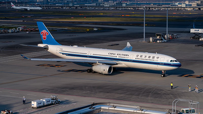 CHINA SOUTHERN AIRLINES_A330-343_B-1062_MLU_081118_(2)