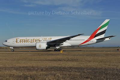 2012-01-12 A6-EWC Boeing 777-200 Emirates