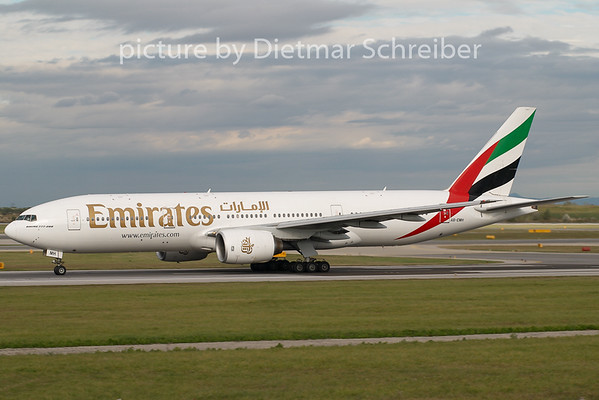2008-10-06 A6-EMH Boeing 777-200 Emirates