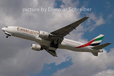 2008-07-21 A6-EMF Boeing 737-700 Emirates