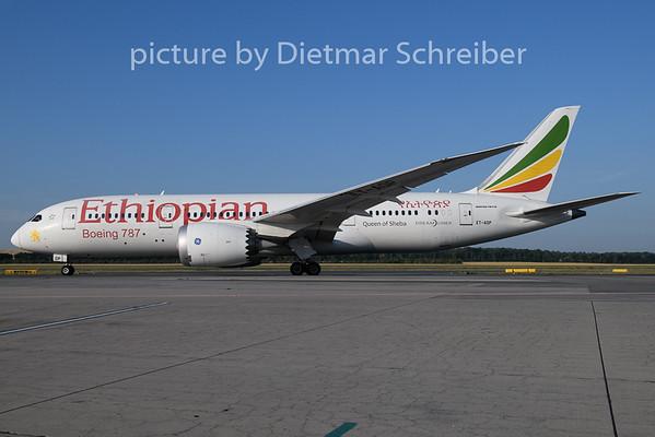 2019-07-17 ET-AOP Boeing 787-8 Ethiopian