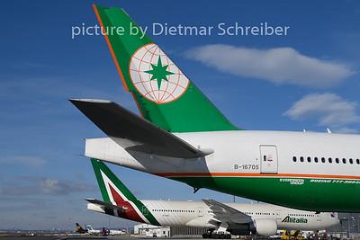 2019-01-29 B-16705 Boeing 777-300 Eva Air