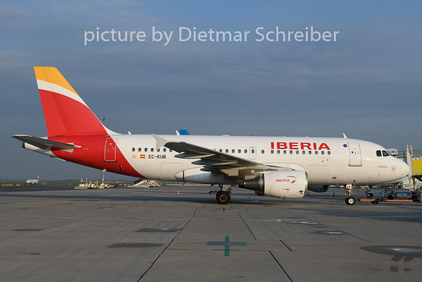 2019-04-15 EC-KUB Airbus A319 Iberia