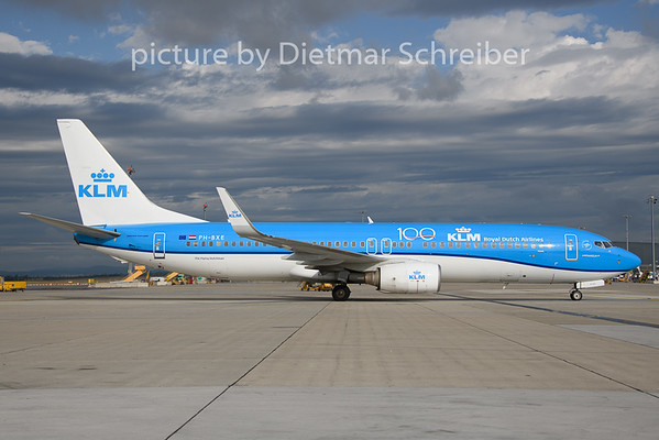 2019-08-13 PH-BXE Boeing 737-800 KLM