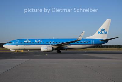 2019-08-15 PH-BXV Boeing 737-800 KLM