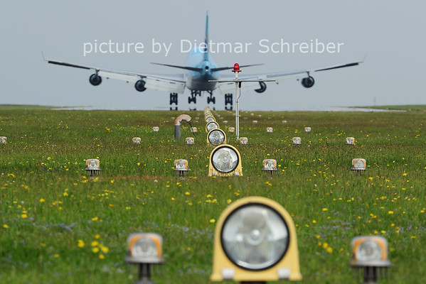 2014-05-01 HL7438 Boeing 747-400 Korean Air