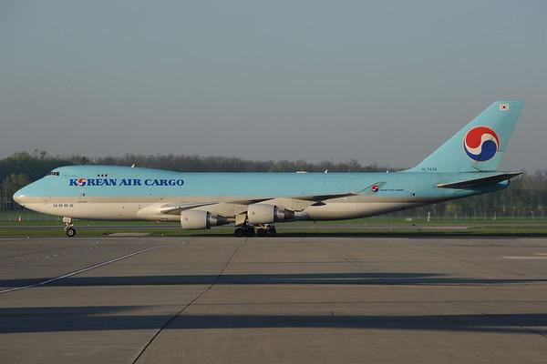 2013-04-26 HL7439 Boeing 747-400 Korean Air