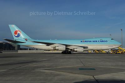 2013-11-08 HL7438 Boeing 747-400 Korean Air