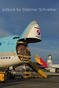 2014-04-08 HL7601 Boeing 747-400 Korean Air