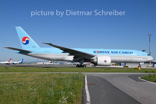 2020-07-01 HL8046 Boeing 777-200 Korean Air
