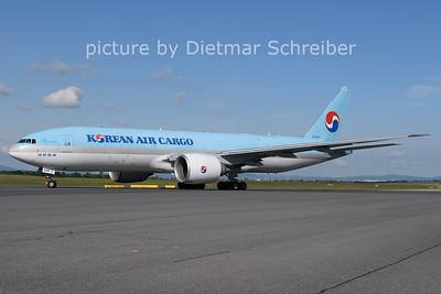 2021-05-29 HL8226 Boeing 777-200 Korean Air